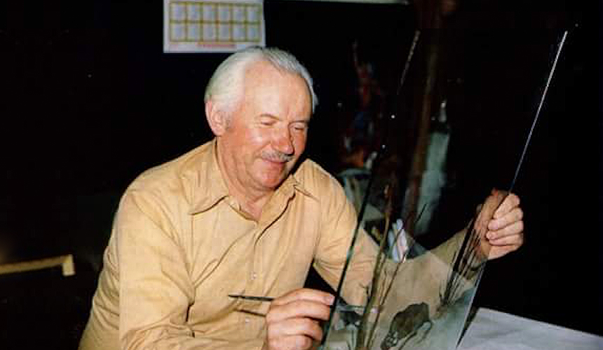 Ivan Večenaj pri radu u svom ateljeu u Goli